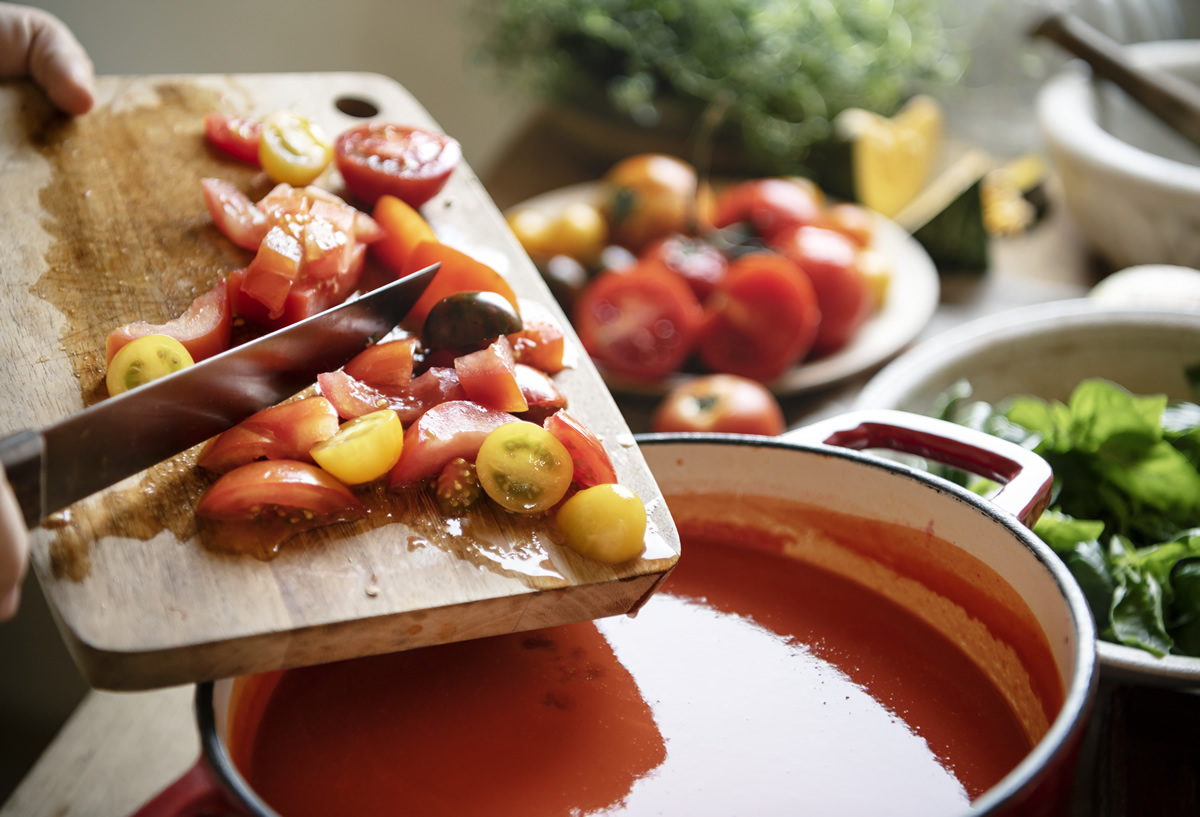 Pomodoro crudo cotto licopene